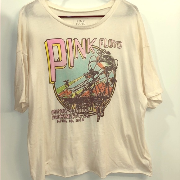 718f1816ed691 American Eagle Outfitters Tops - Pink Floyd Graphic